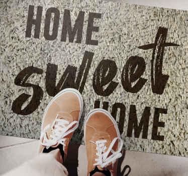 """Alfombra vinilo texturas con texto """"Hogar dulce hogar"""" con un diseño exclusivo para sentirte en casa desde la entrada ¡Envío exprés!"""