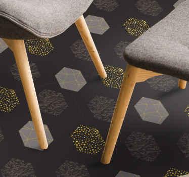Alfombra vinilo geométrica elegante y de lujo con hexágonos gris pantone y dorado para tu salón o cuarto. Elige medidas ¡Fácil de mantener!
