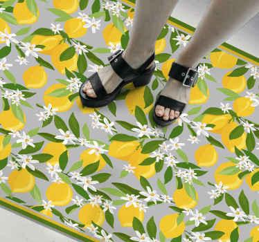Alfombra vinilo cocina está llena de limones amarillos con hojas verdes y florecitas blancas sobre un fondo verde pastel ¡Envío exprés!
