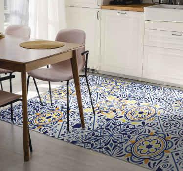 Siéntete muy cómodo en tu propio lugar con nuestra hermosa y moderna alfombra vinilo azulejos en tonos azules y con flores ¡Envío exprés!