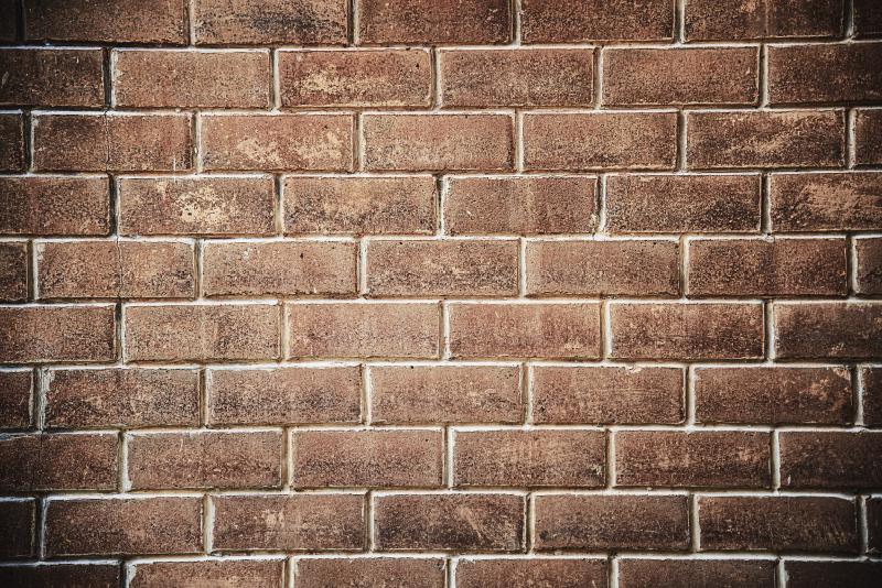 TenVinilo. Alfombra pvc textura ladrillo. Alfombra vinílica textura ladrillo para que la pongas en tu casa y disfrutes de una decoración exclusiva y diferente. Producto lavable y de calidad.