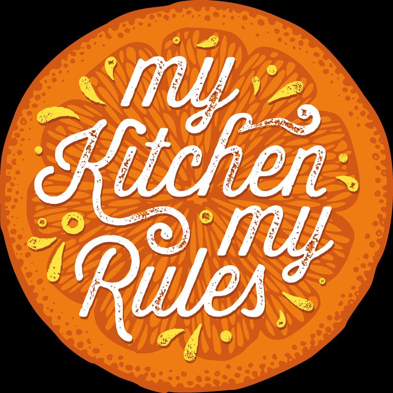 """TenVinilo. Alfombra de vinilo frase mi cocina mis reglas. Compra esta alfombra vinílica cocina naranja con la frase """"mi cocina mis reglas"""" en forma de círculo para decorar tu hogar ¡Entrega a domicilio!"""