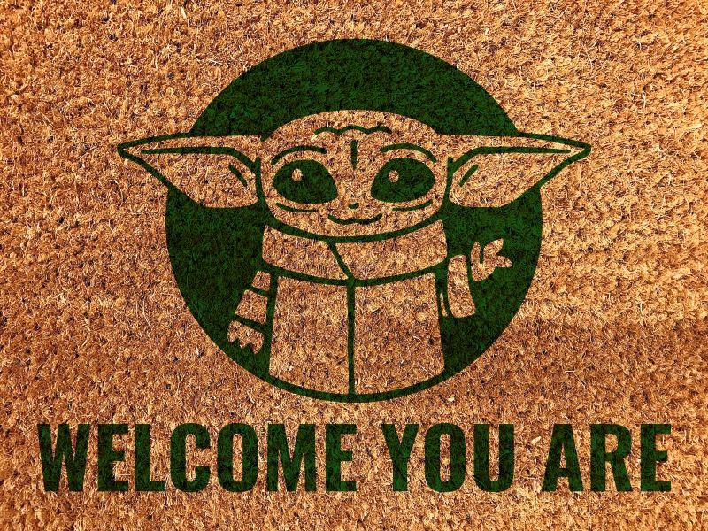 TenStickers. Tapete de boas-vindas tapete do corredor de entrada do star wars. Você é um fã de star wars? Tem este tapete moderno. Manutenção fácil. Compre agora e enviará para o local que nos indicar!