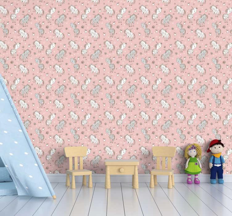 TenStickers. Sevimli tek boynuzlu atlar çocuklar yatak odası duvar kağıdı. Pembe bir arka planda sevimli tek boynuzlu atlar fantastik bir desen ile bu güzel fantezi duvar kağıdı ile çocuk yatak odası ve orijinal dekor vermek.