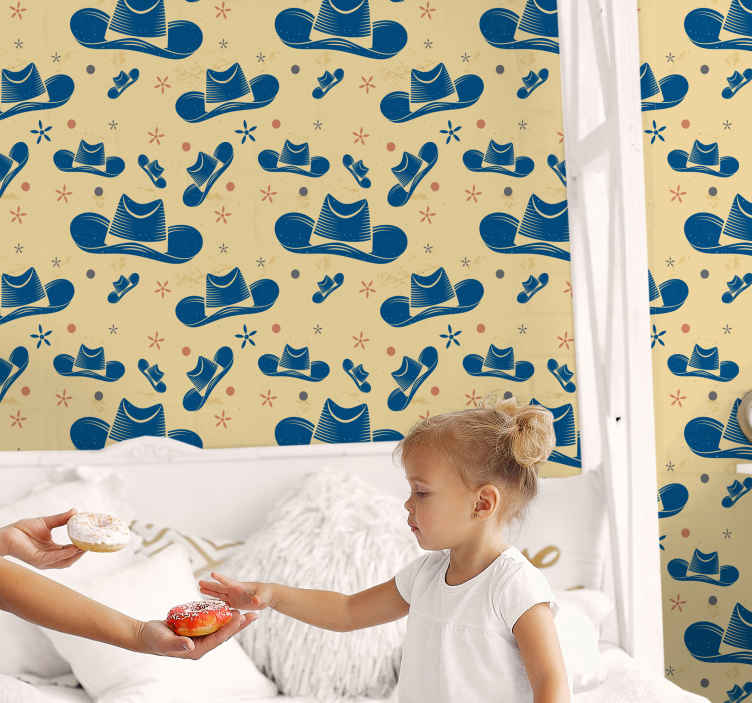TenStickers. 카우보이 모자 어린이 벽지. 아이들의 침실 공간을 장식하는 카우보이 모자 디자인과 고급 벽지. 그것은 좋은 품질의 재료로 만들어지고 적용하기 쉽습니다.
