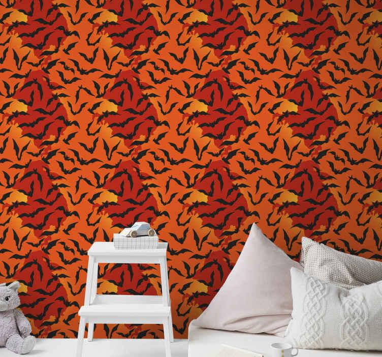 TenStickers. papel parede vermelho Morcegos em fundo vermelho e laranja. Papel de parede de estampas de animais estampados. Um papel de parede de quarto de fundo laranja e vermelho com morcegos voando. é original, sem rugas, duradouro e à prova d'água.