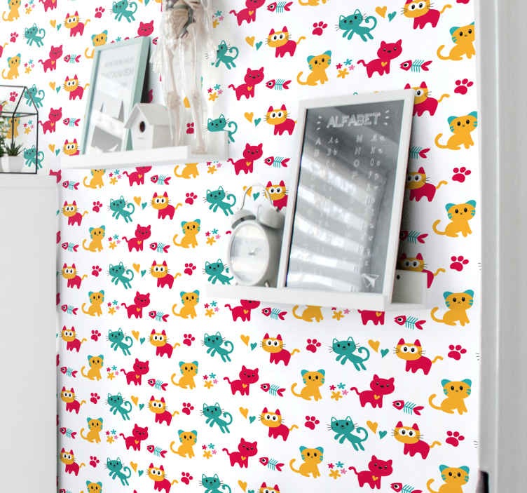 TenStickers. 壁纸多色猫孩子们壁纸. 我们丰富多彩的儿童卧室壁纸为您的孩子提供个性化的壁纸,其中包含各种猫咪插图,鱼骨,脚印等。