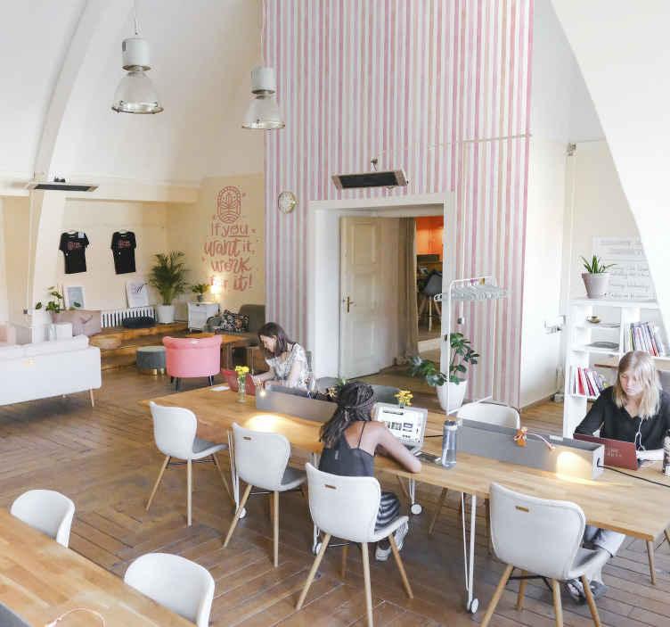 TenStickers. Verticaal behang Roze aquarel verticale strepen behang. Roze aquarel verticale strepen behang dat kan worden gedecoreerd op een woonkamer, slaapkamer en zelfs kinderkamer. Ruimte.