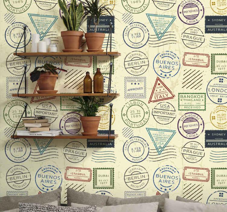 TenStickers. Vintage behang kopen Retro postzegels. Reisstempel behang om uw huis te verfraaien met een teken van aankomst van landreizen. Eenvoudig aan te brengen en vervaardigd met materiaal van topkwaliteit.