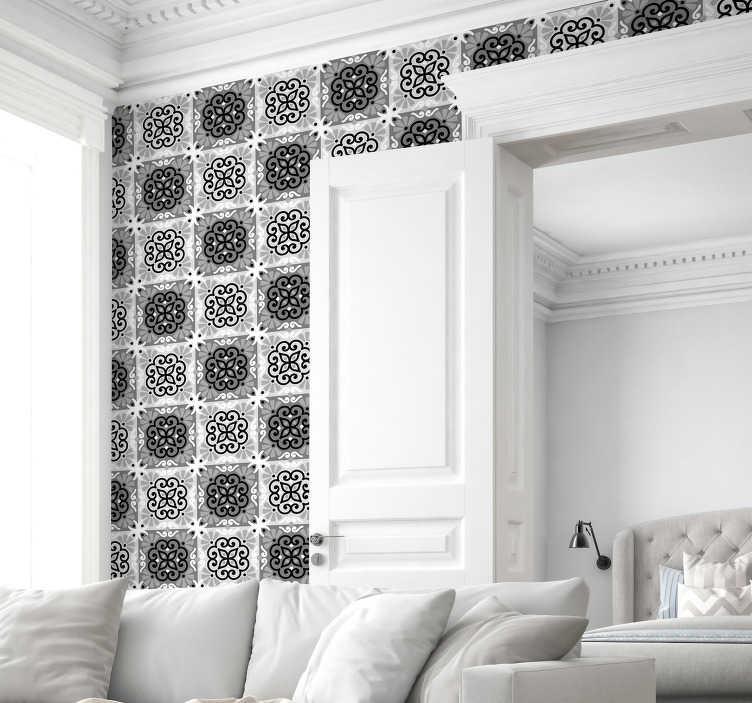TenVinilo. Papel pintado ornamental azulejos portugueses grises. Un diseño de azulejos hidráulicos portugueses grises ideal para empapelar las paredes de tu hogar. Papel pared clásico para las paredes de tu casa.