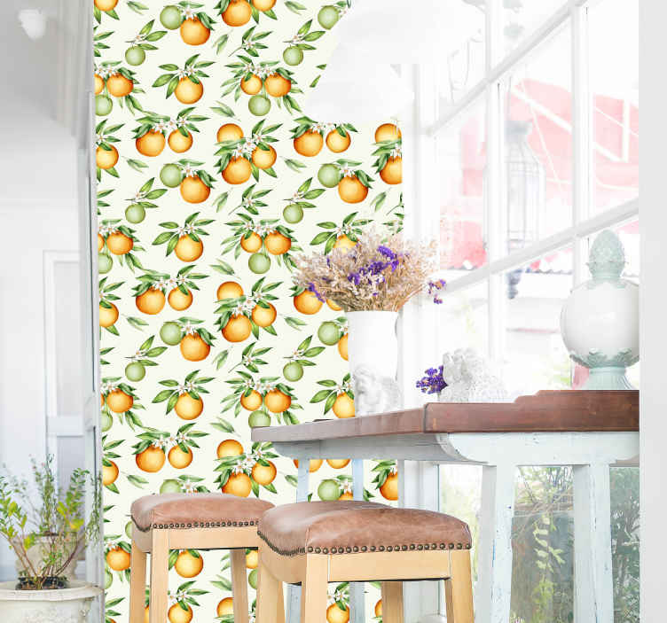 TenStickers. Papier peint cuisine Des oranges. Papier peint à motifs orange pour décorer n'importe quel espace de votre maison. Il peut être installé sur une salle à manger, une cuisine