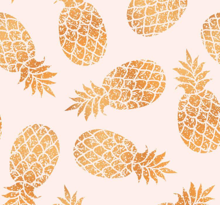 TenStickers. Papier peint vintage ananas dorés. Papier peint vintage avec un dessin de nombreux ananas dorés sur fond blanc, parfait pour décorer votre cuisine. Livraison à domicile