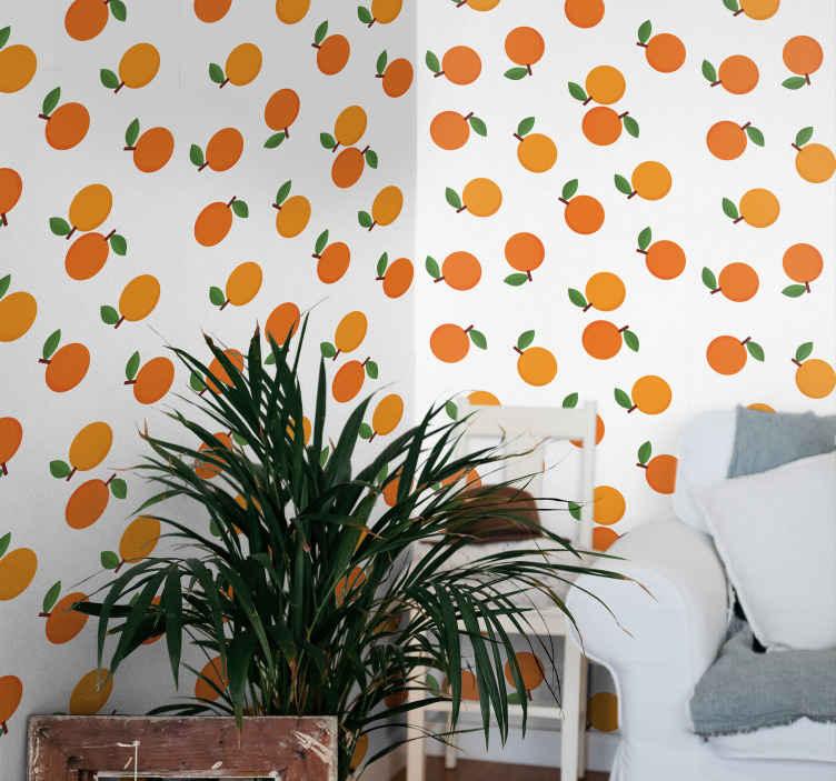 TenStickers. papel parede ornamental Laranjas de desenho animado. Papel de parede cítrico com um impressionante padrão de laranjas com folhas em um fundo branco. Inscreva-se com 10% de desconto agora.