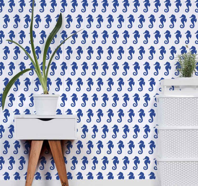 TenVinilo. Papel pared animales caballitos de mar. Papel pared animales blanco y azul con diseño de patrón de caballitos de mar azul sobre fondo blanco ideal para decorar las paredes de tu casa.