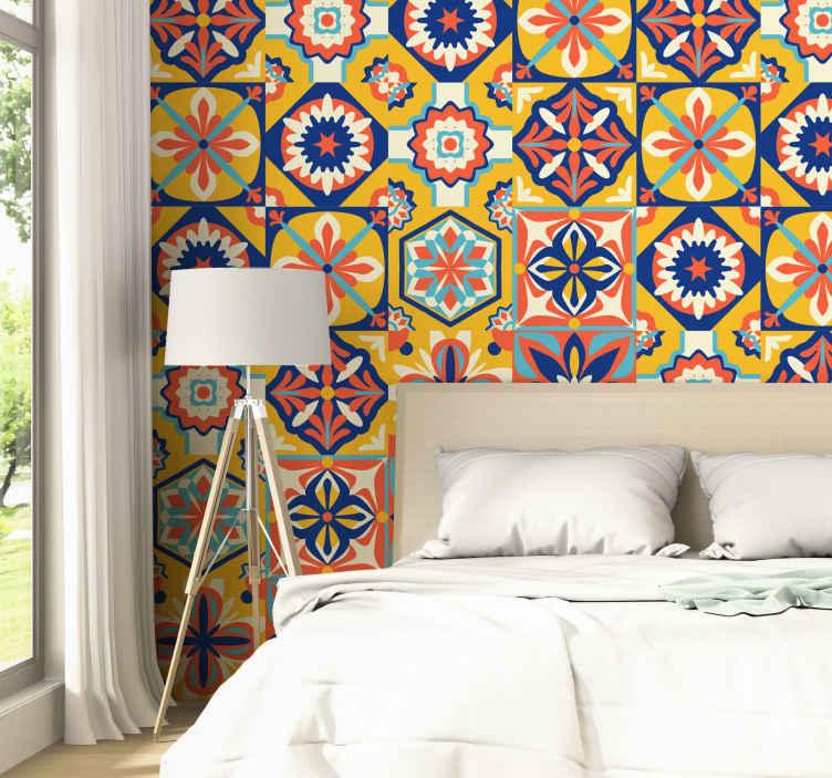 TenStickers. 各种老式墙纸的范围. 各种观赏壁纸是您美化客厅和卧室所需的产品。这是古代几何的哥特式设计。