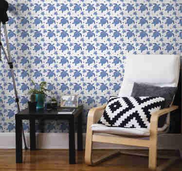 Incrível papel de parede de animais com um padrão de tartarugas em tons de azul sobre fundo branco. A decoração perfeita para salas de estar.
