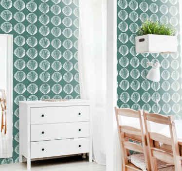レトロな貝殻が付いた青い壁紙。ダイニングルームの装飾に最適です。適用が簡単で、高品質のビニールで作られています。