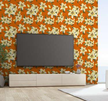 Adere ao estilo vintage e enche a tua casa de vida e cor com este lindo papel de parede vinilico com um padrão de lírios amarelos num fundo laranja!
