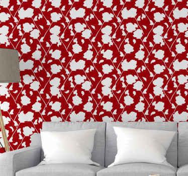 Strålende rød baggrund tapet med hvide roser trykt over det. Smuk til at dekorere en stue og til andre fælles rum.